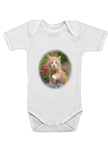Cute ginger kitten in a flowery garden, lovely and enchanting cat para bebé carrocería