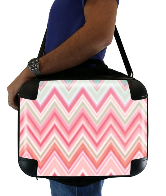 colorful chevron in pink para bolso de la computadora